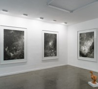 Vue de l'exposition. Courtesy Galerie Derouillon. Photographies © Grégory Copitet