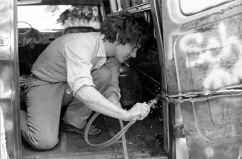 GMC cutting the Grafitti Truck, 1973